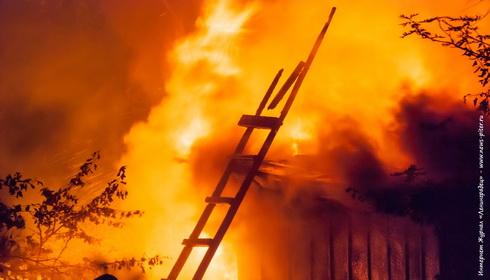 Пожар на Мшинской в садоводстве Озон