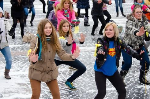 12.12.12 флэшмоб Gangnam Styly на Дворцовой площади