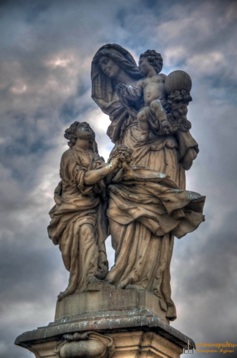 Скульптуры на Карловом мосту