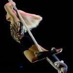 Воздушная гимнастка на корд-де-парели Анна Володько